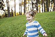Happy girl on meadow - HAPF01302