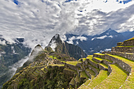 Peru, Andes, Urubamba Valley, Machu Picchu with mountain Huayna Picchu - FOF08768