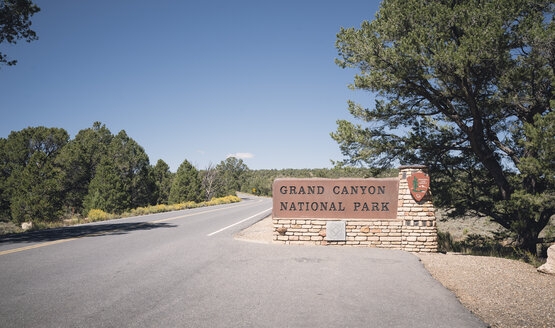 USA, Arizona, entrance of Grand Canyon National Park - EP00291