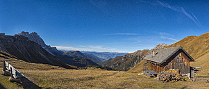 Italy, South Tyrol, Funes Valley, Odle group in autumn - LOMF00488