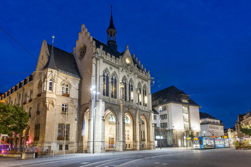 Germany, Thuringia, Erfurt, town hall at night - EGBF00188