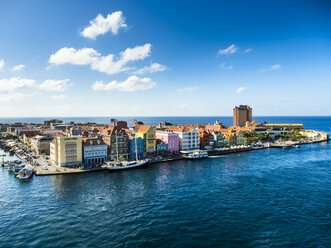 Curacao, Willemstad, Punda, colorful houses at waterfront promenade - AMF05235