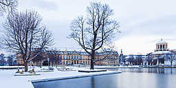 Germany, Stuttgart, view to New Palace and Jubelee Column with Lake Eckensee in the foreground - WDF03862