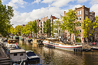 Netherlands, Amsterdam, houseboats at Brouwersgracht - WDF03874