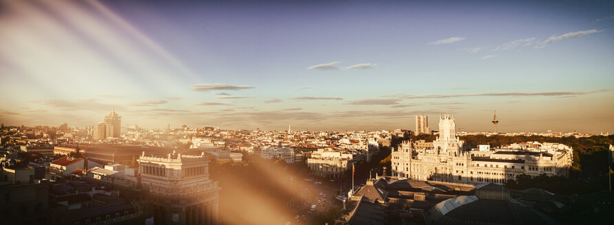 Spain, Madrid, cityscape with Alcala street - KIJF01178