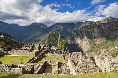 Peru, Andes, Urubamba Valley, Machu Picchu - FOF08841