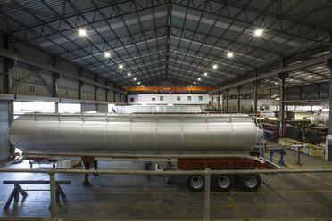 Truck tanks in truck maufacture - ZEF12786