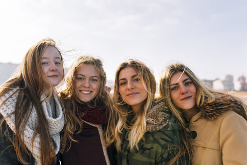 Portrait of four friends - MGOF02918