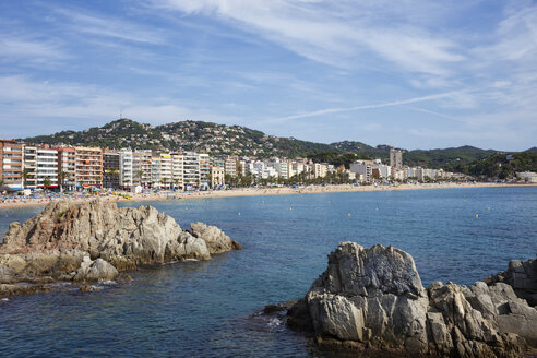Spain, Catalonia, Lloret de Mar, resort town on Costa Brava at Mediterranean Sea - ABOF00154