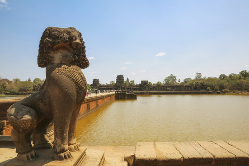 Cambodia, Angkor Wat temple, entrance, overview - REAF00179