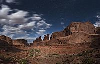 USA, Utah, Arches National Park, Park Avenue Trail at night - EPF00333