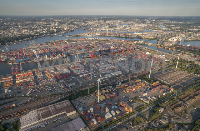 Germany, Hamburg, aerial view of Waltershof with Eurogate Terminal - PVCF01002 - Patrice von Collani/Westend61