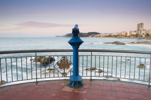 Spain, Costa Brava, Lloret de Mar, viewpoint with coin operated binoculars at sunrise - SKCF00253