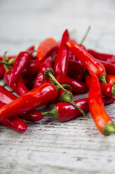 Pile of chili pods, close-up - JUNF00845
