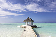 Maledives,South Male Atoll, Beach pavillon at the end of a jetty - JLRF00092