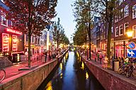 Netherlands, Amsterdam, De Wallen, Oudezijds Achterburgwal at twilight - WD03907