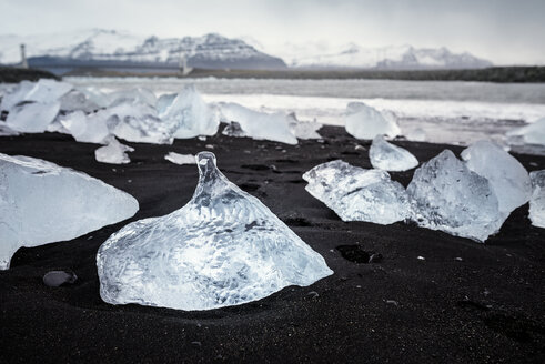 Iceland, Jokulsarlon, Diamond Beach, glacial ice on the beach - EPF00353