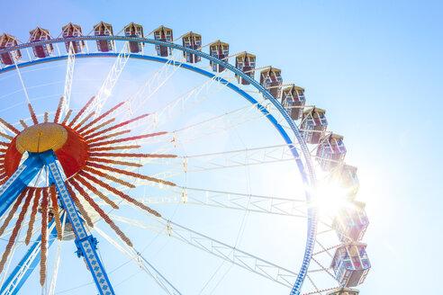 Germany, Munich, ferris wheel at the Oktoberfest - MMAF00041