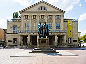 Germany, Weimar, Goethe-Schiller Monument in front of German National Theatre - AMF05294