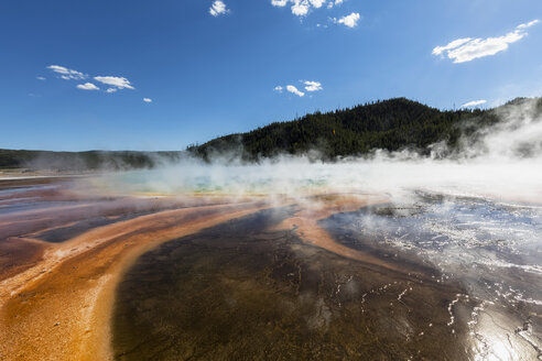 USA, Wyoming, Yellowstone National Park, Midway Geyser Basin, Grand Prismatic Spring - FOF08945