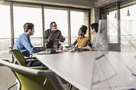 Business meeting in office - UUF09979