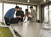 Business meeting in office - UUF09982