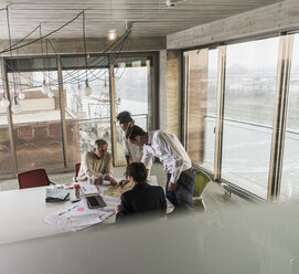 Business meeting in office - UUF10042