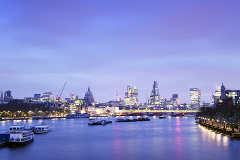 UK, London, skyline with River Thames at dawn - BRF01430