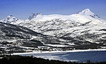 Norway, Troms, coastal landscape in winter - DSGF01557