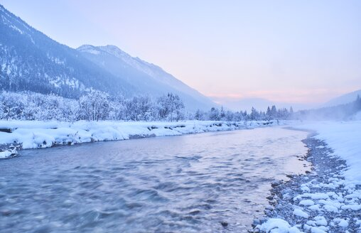 Germany, Bavaria, Vorderriss, Isar Valley in winter - MRF01705