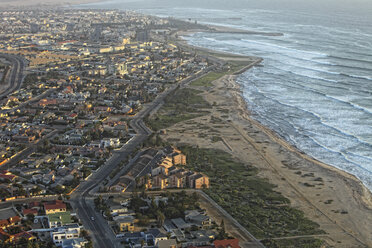 Namibia, Skeleton Coast, aerial view of Walvis Bay - DSGF01609