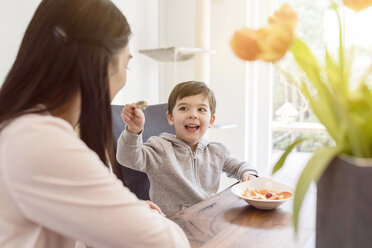 Mother and son having breakfast - SHKF00729
