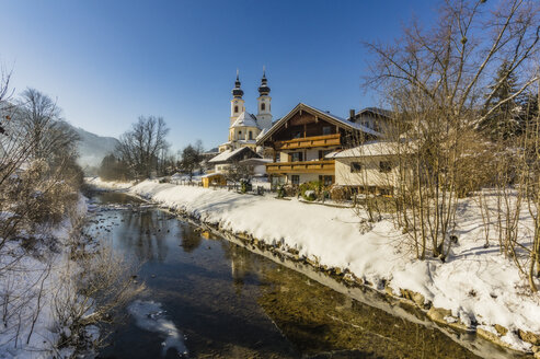 Germany, Bavaria, Aschau in winter - THAF01918