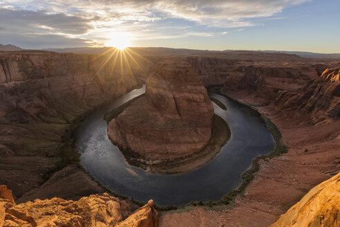 USA, Arizona, Page, Colorado River, Glen Canyon National Recreation Area, Horseshoe Bend - FOF09045