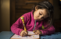 Little girl drawing numbers - JASF01567