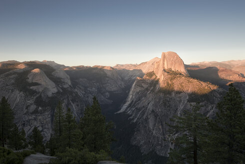 USA, California, Yosemite National Park, Glacier Point at sunset - EPF00395
