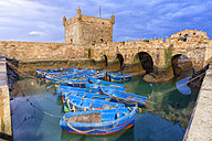 Morocco, Essaouira, blue fishing boats in the harbour - DSGF01617