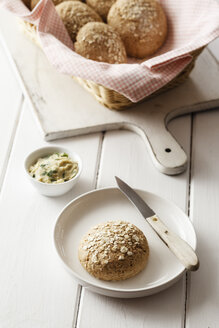 Homemade oat rolls with compound butter - EVGF03142