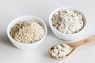 Bowls of oat bran and oat bran flakes - EVGF03165