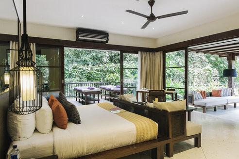 Indonesia, Bali, hotel room - JUBF00213