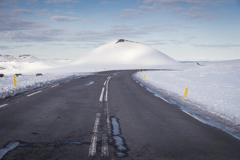 Iceland, empty country road - EPF00414