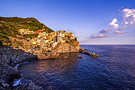 Italy, Liguria, Cinque Terre, Manarola at sunset - PUF00616