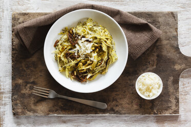 Tagliatelle made of carrots with poppy seed sauce - EVGF03191