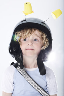 Portrait of a boy dressed up as spaceman - FSF00814