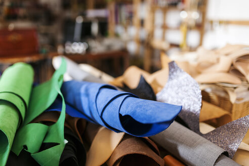 Fabrics in shoemaker's workshop - VABF01325