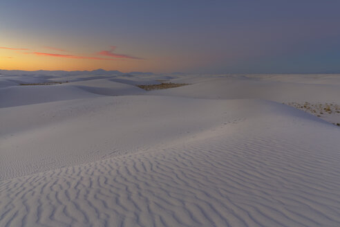 USA, New Mexico, Chihuahua Desert, White Sands National Monument, landscape at sunrise - FOF09194
