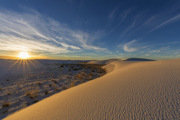 USA, New Mexico, Chihuahua Desert, White Sands National Monument, landscape at sunrise - FOF09200