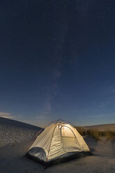 USA, New Mexico, Chihuahua Desert, White Sands National Monument, tent on dune at night - FOF09217