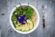 Detox bowl of brokkoli, quinoa, avocado, Pimientos de Padron, cress and pansies - LVF06056
