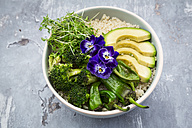 Detox bowl of brokkoli, quinoa, avocado, Pimientos de Padron, cress and pansies - LVF06059